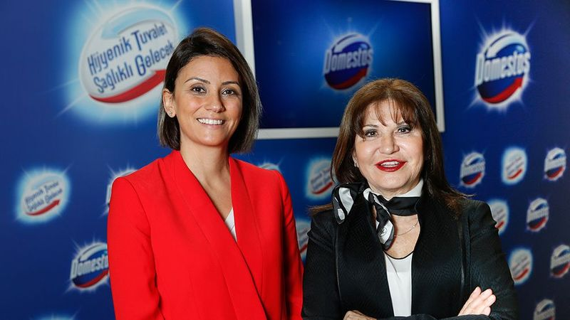Duygu Ersoy and Hilal Mocan looking at the camera