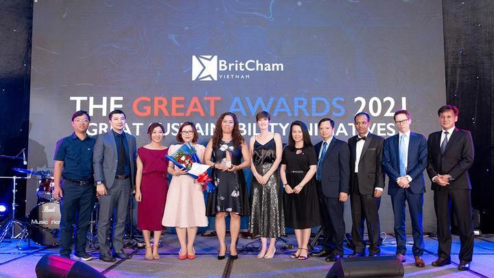 Unilever nhan giai thuong Phat trien Ben vung tai BritCham Award