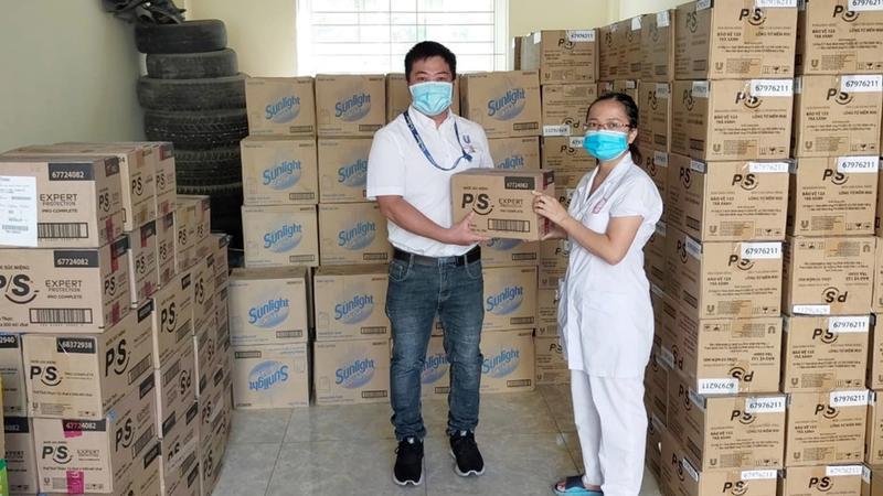 Unilever tai tro san pham ve sinh va khu khuan cho vung tam dich