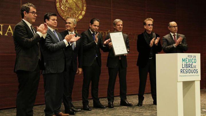 Unilever firma compromisos en el senado