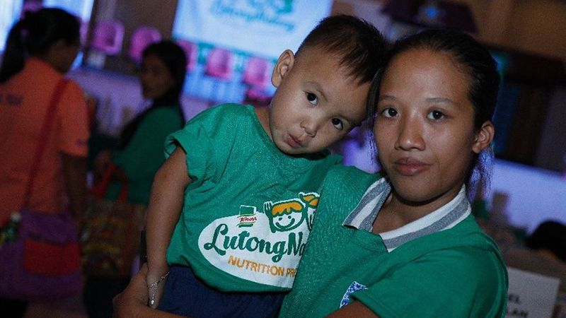 PHL a child and the mother