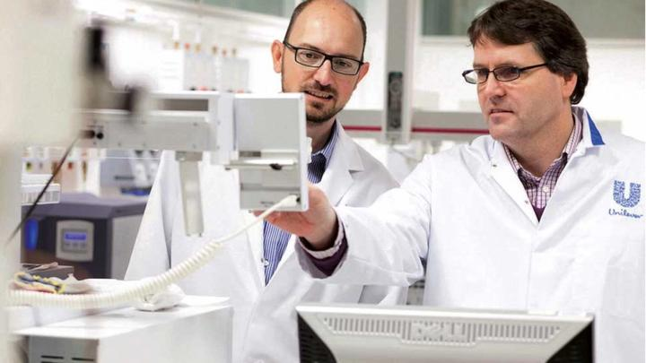 Unilever R&D employees in the lab
