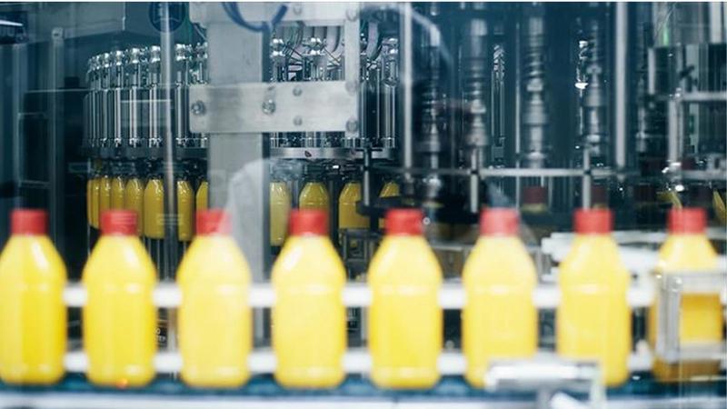 Band met gele flessen
