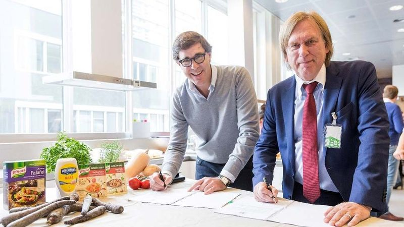 Pablo Perversi and Henk Keilman