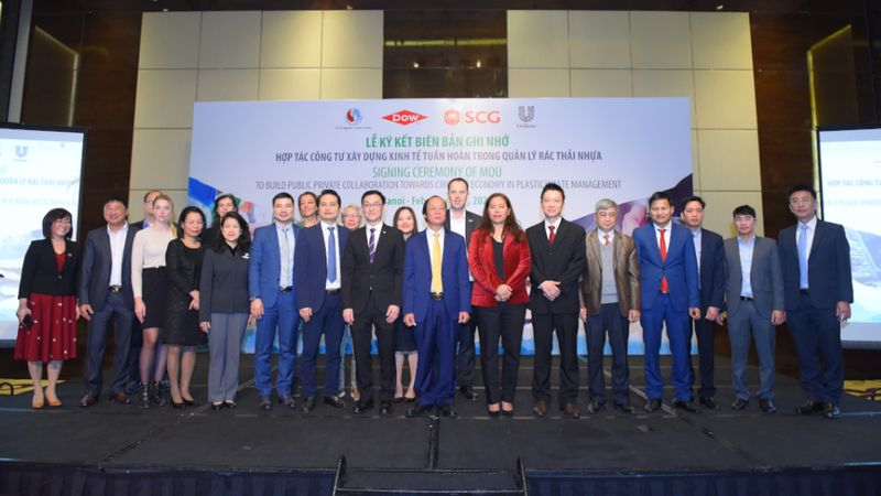 plastic waste management conference group photo