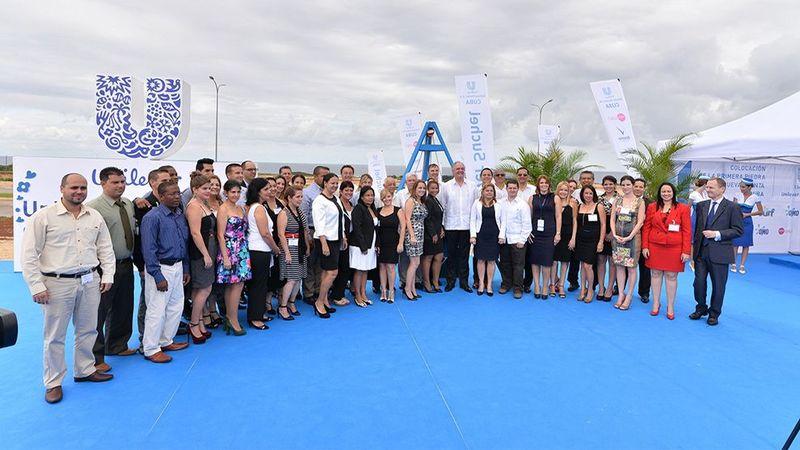 Unilever investe em Cuba group photo