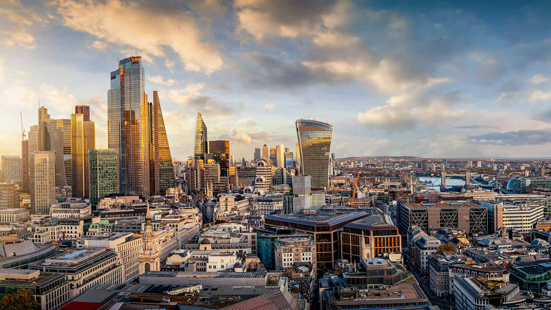 Cityscape of London at sunrise