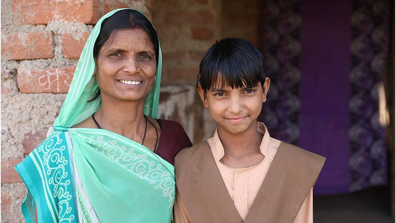 Feature image - Kolika and her daughter