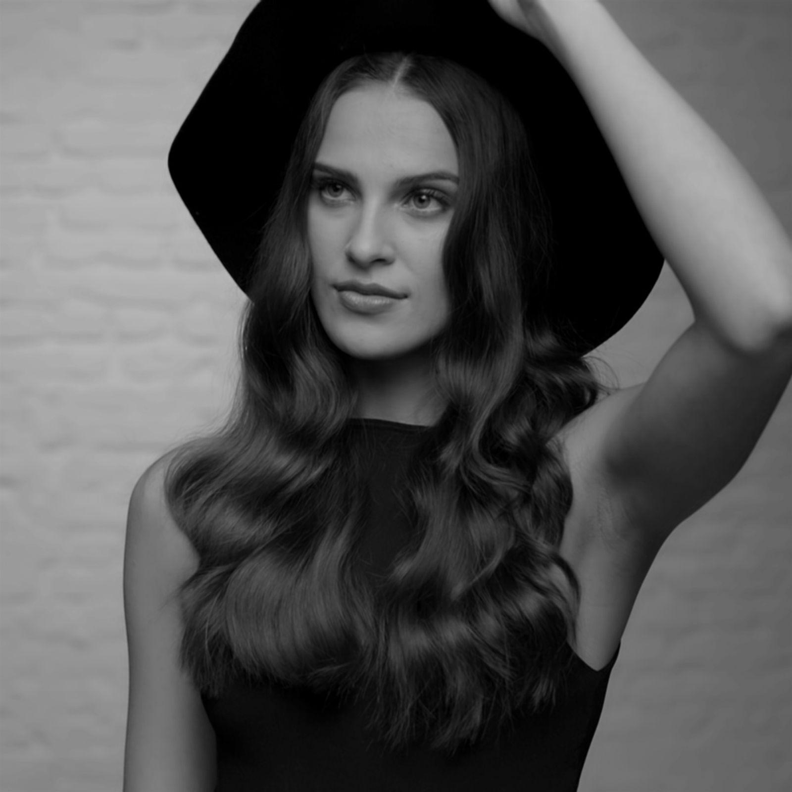 Model w/ Hat