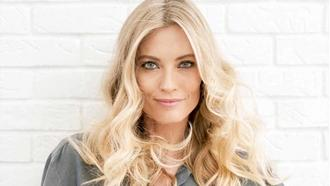 How to Get Beachy Waves, No Beach Required