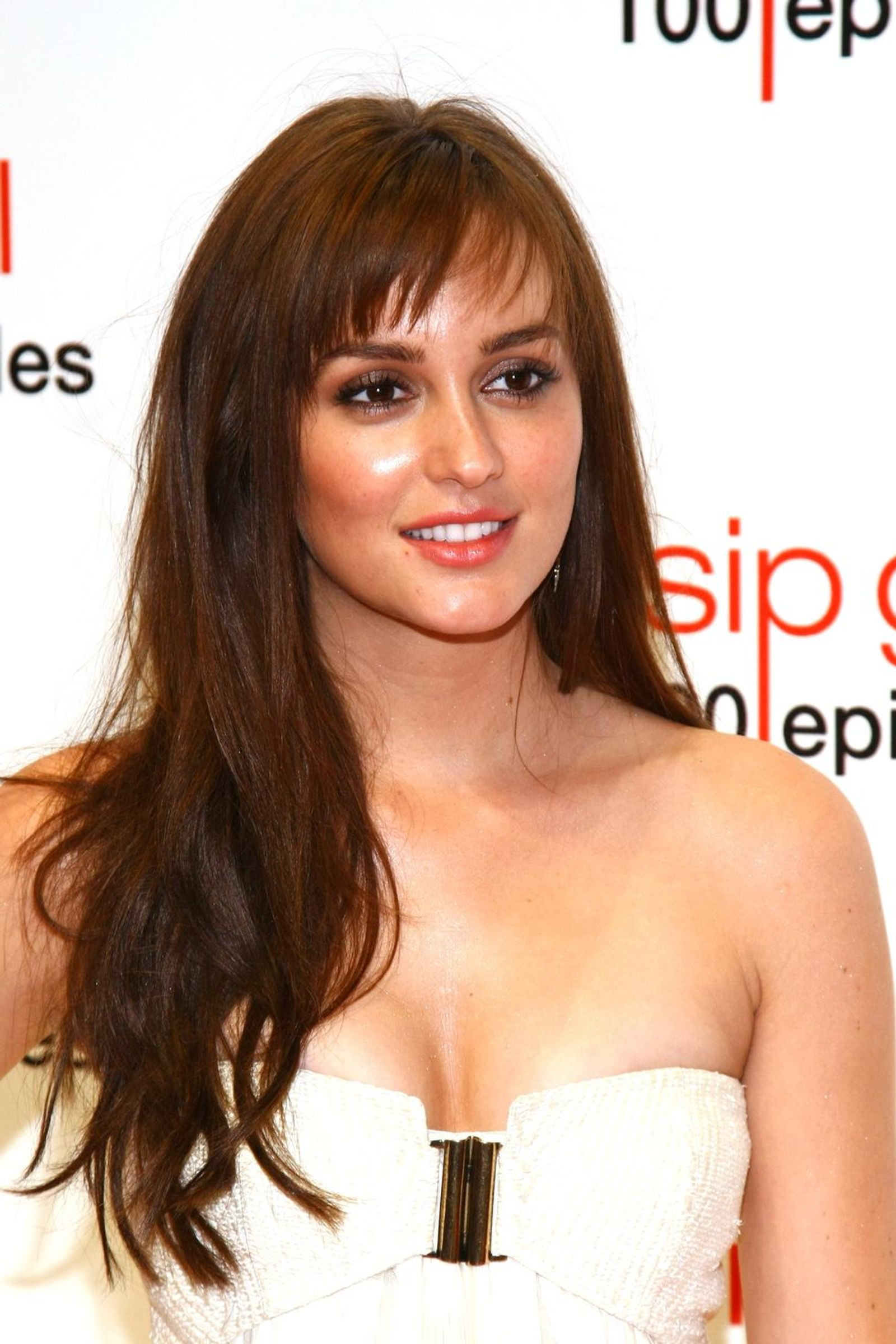 Leighton Piecy Bangs Hairstyle