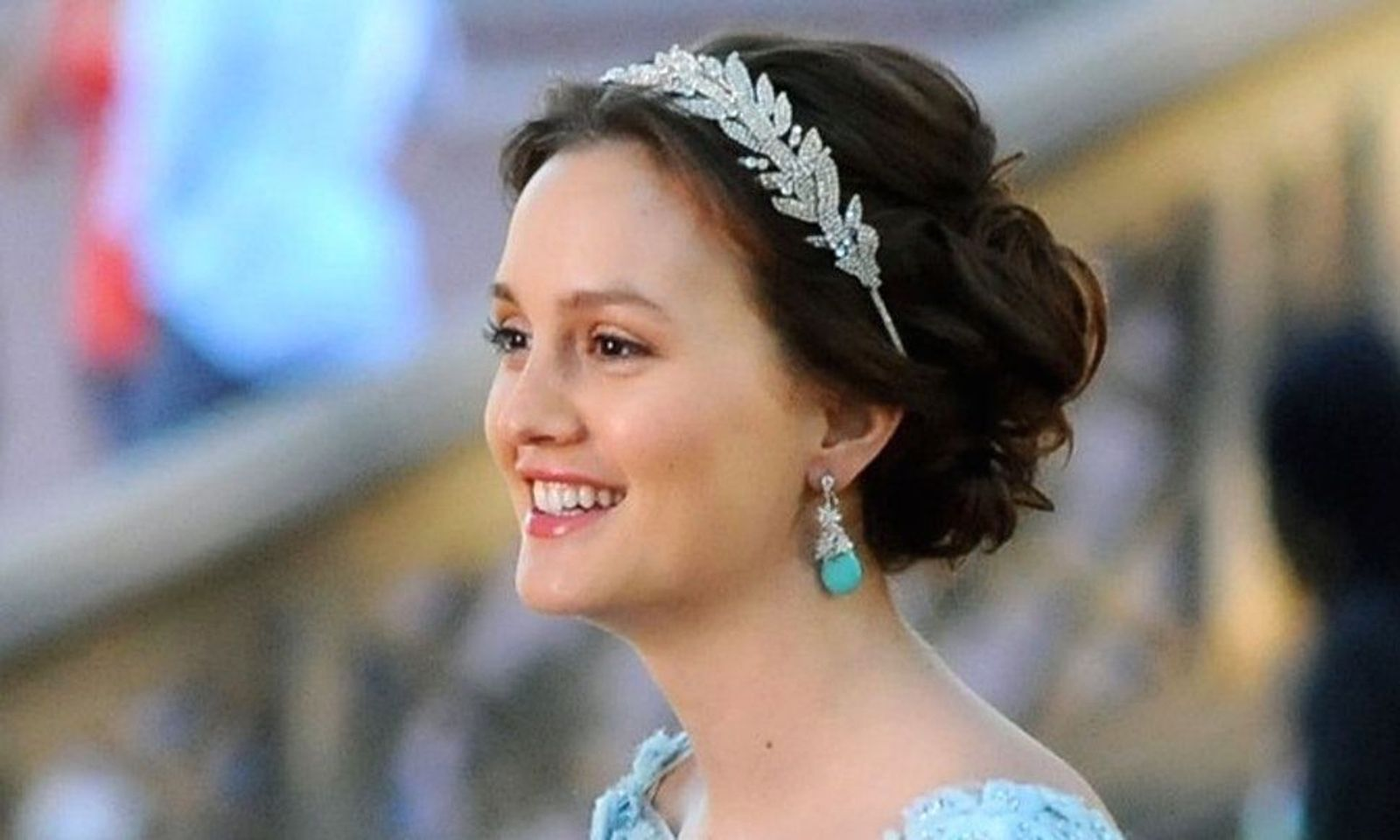 Leighton in Blair's Last Headband Hairstyle