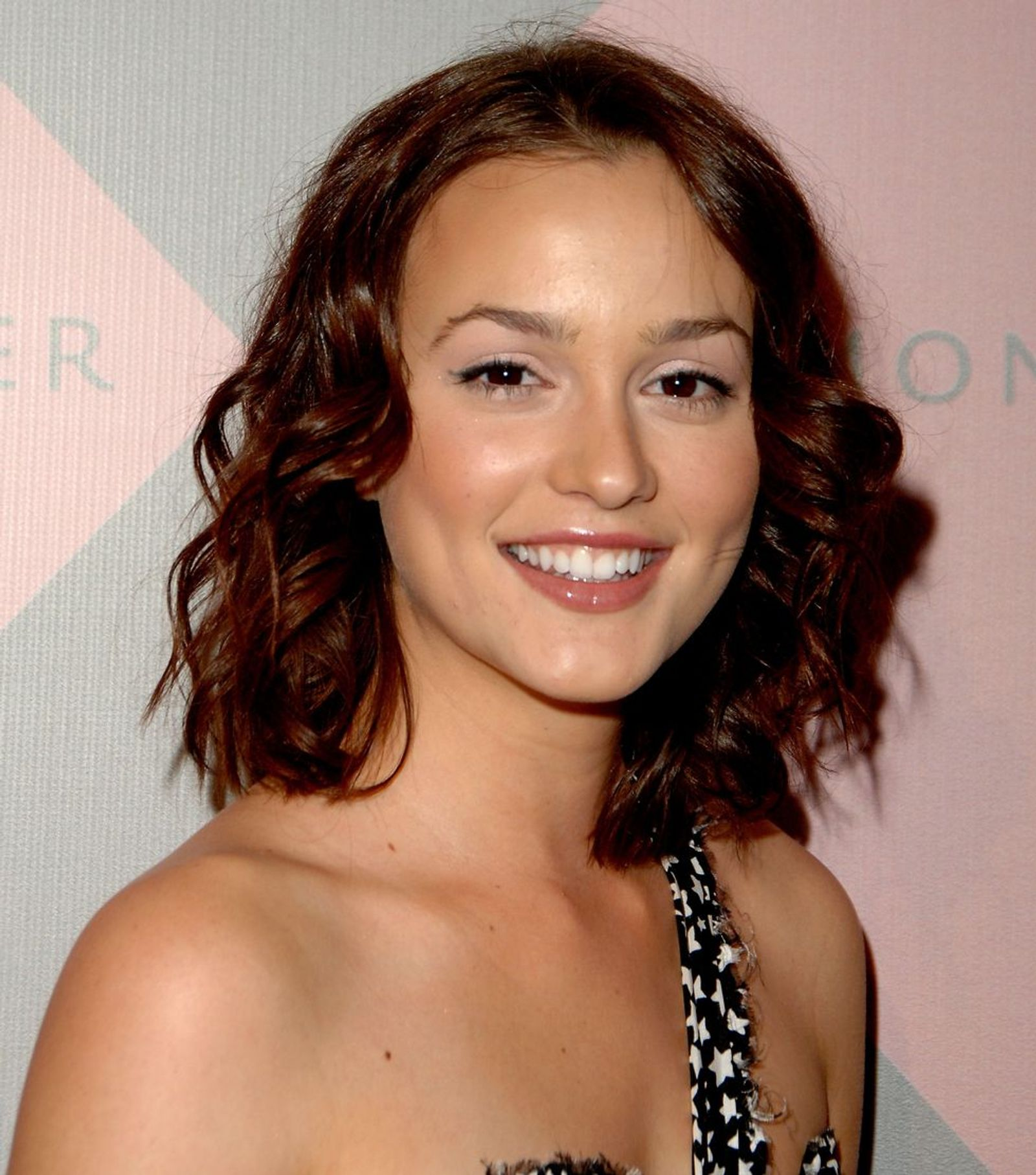 Leighton Chestnut Chop Hairstyle