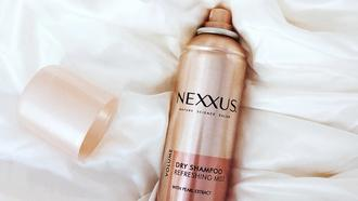 The Do's and Don'ts of Dry Shampoo Model Shot