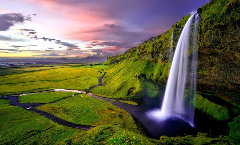 Seljalandsfoss waterfall during september