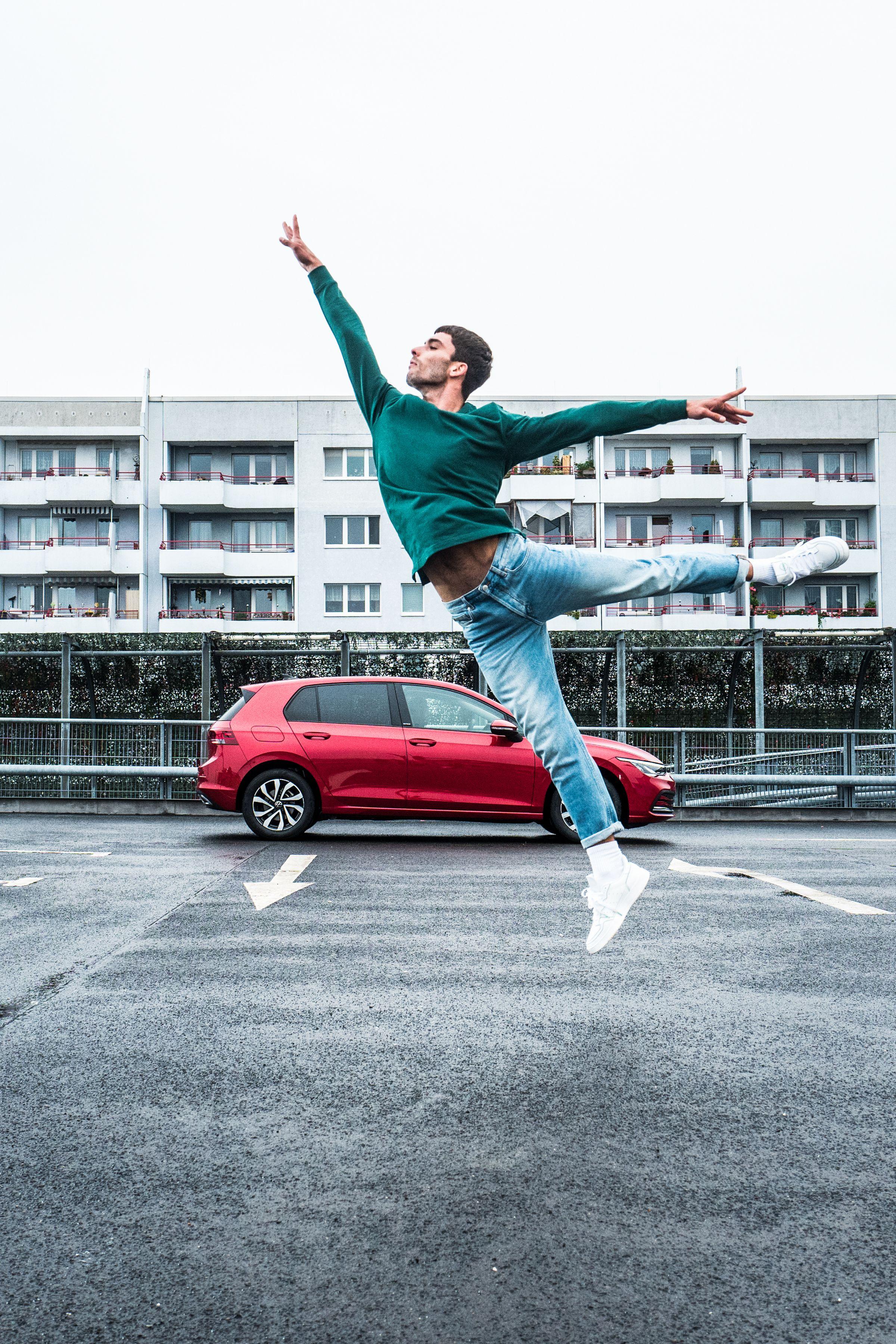 VW ACTIVE