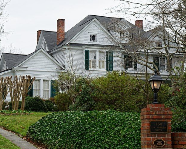 Alfred W. Roberts House