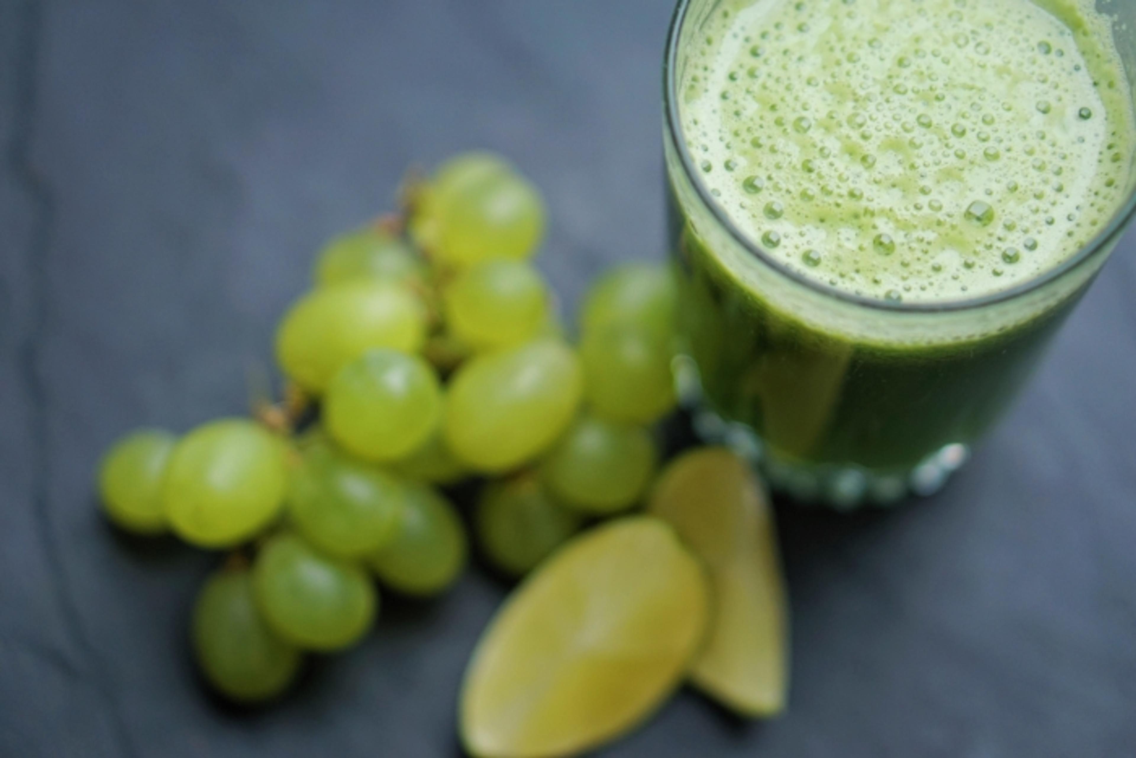 Vårlig grønn smoothie med spinat