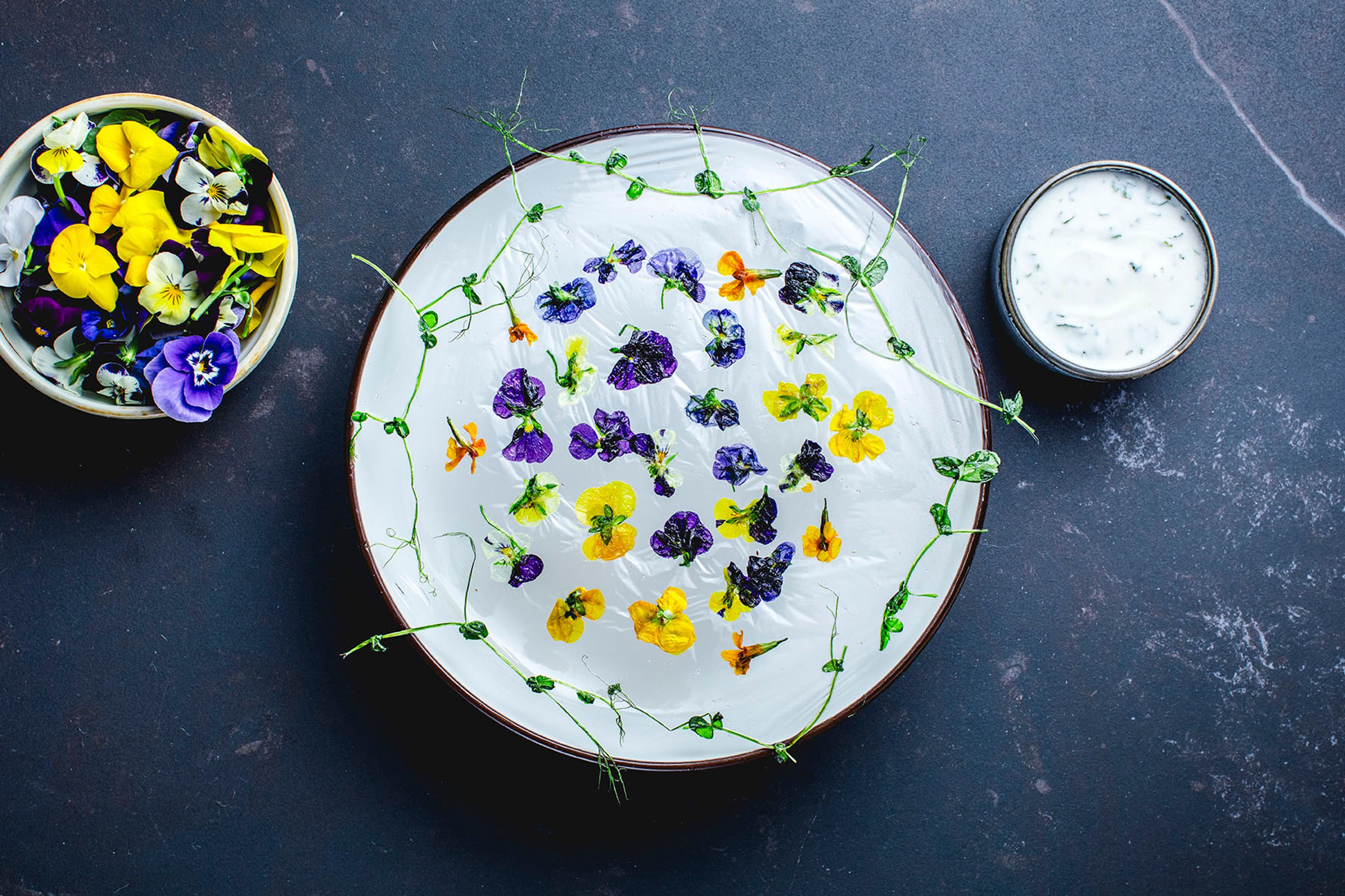 Blomsterchips laget i mikroen