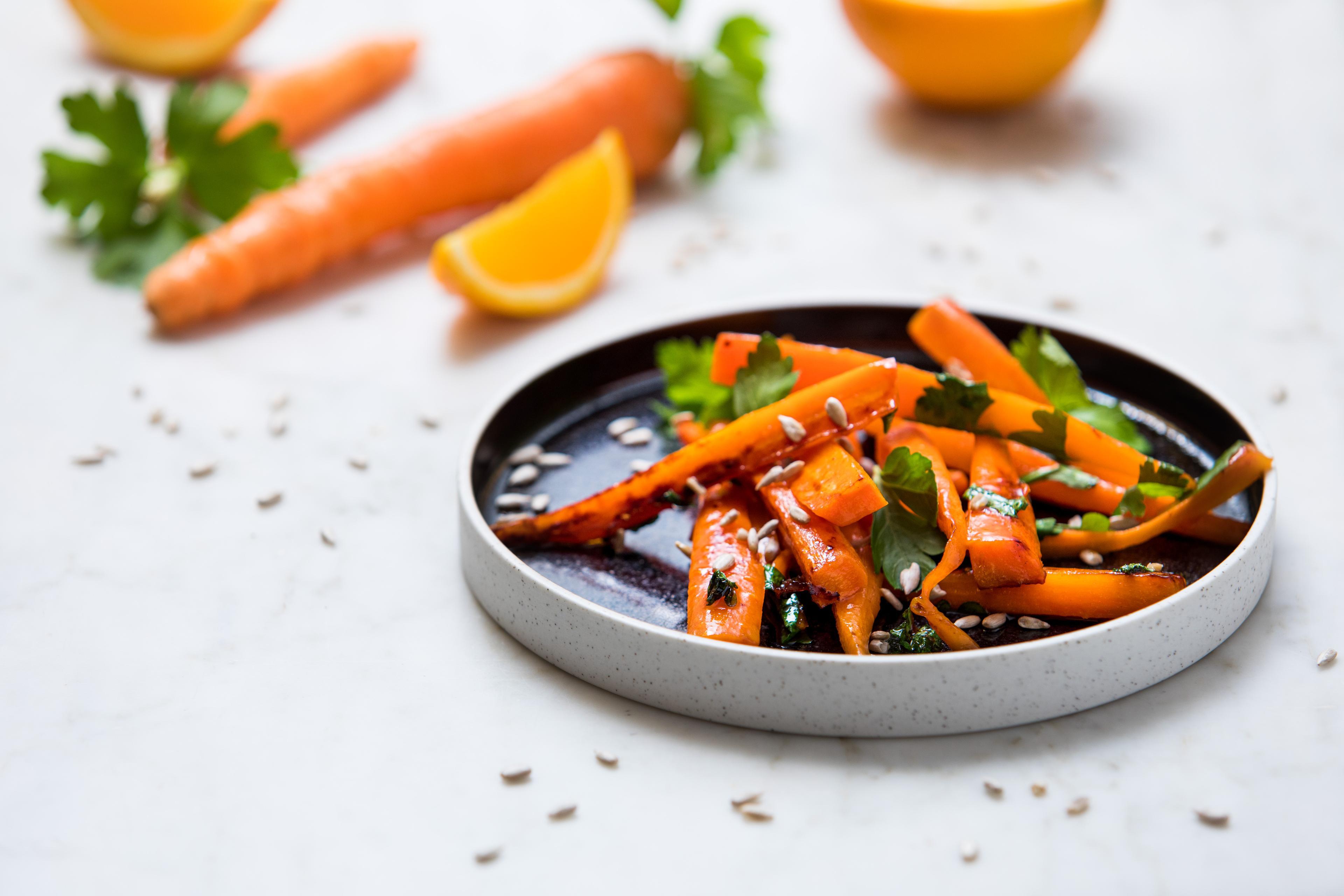 Appelsin- og honningglaserte gulrøtter