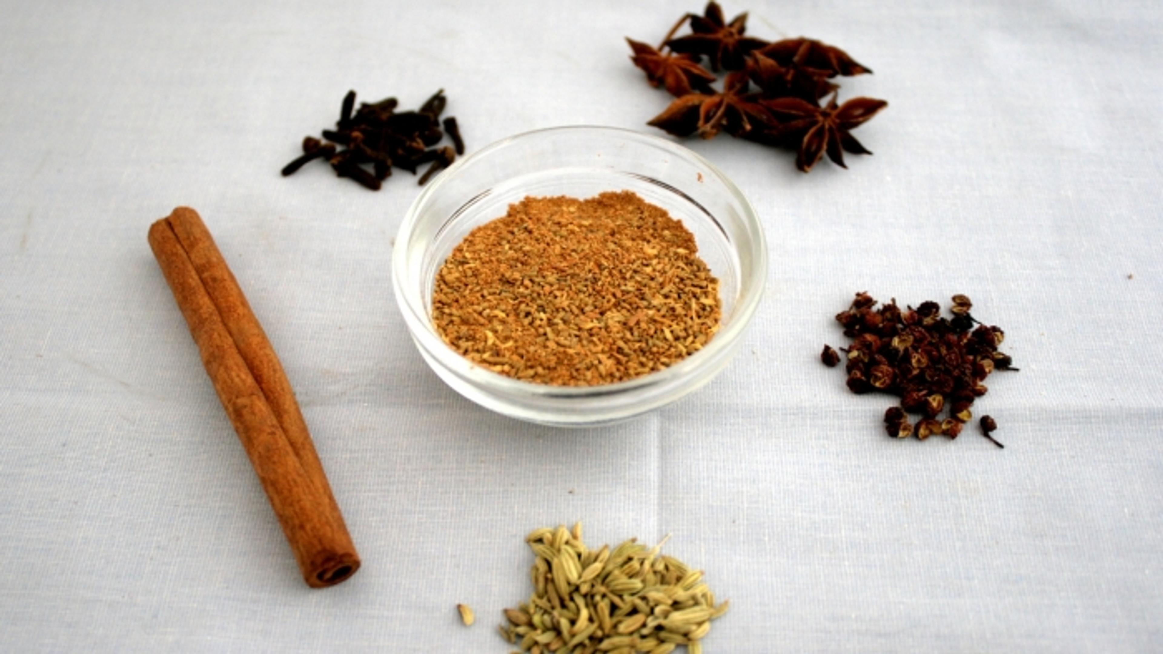 Hjemmelaget five spice-krydder