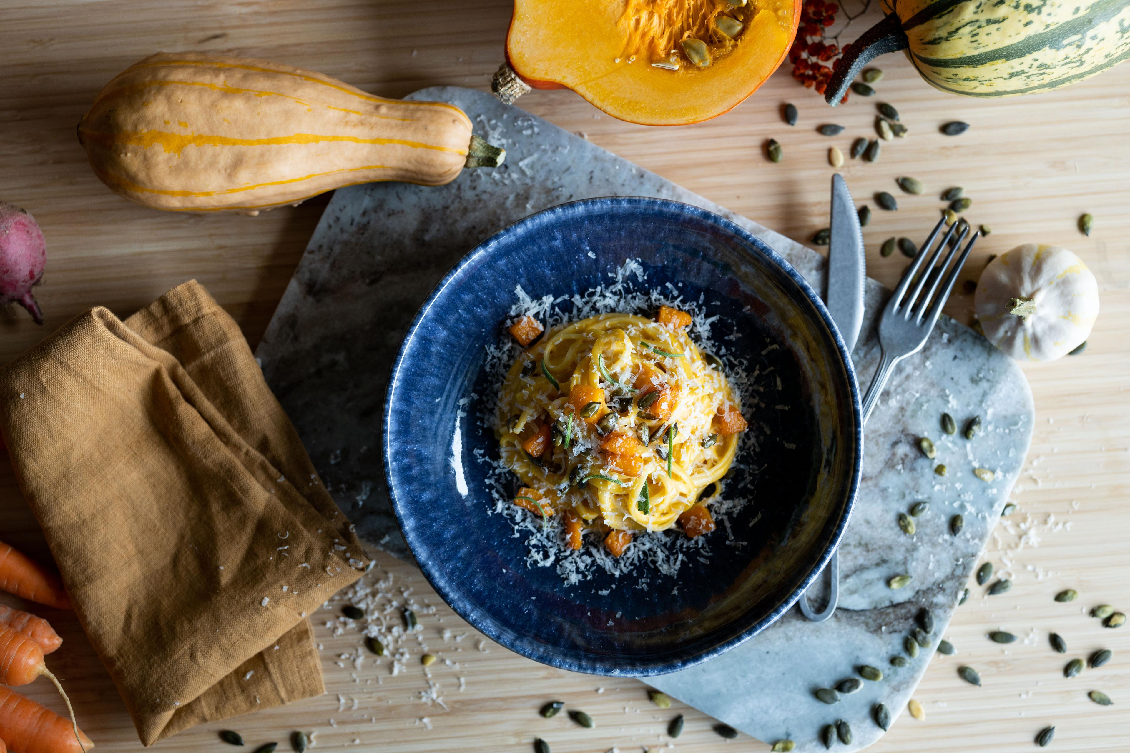 Linguini i kremet gresskarsaus  – smakfull Halloweenmat