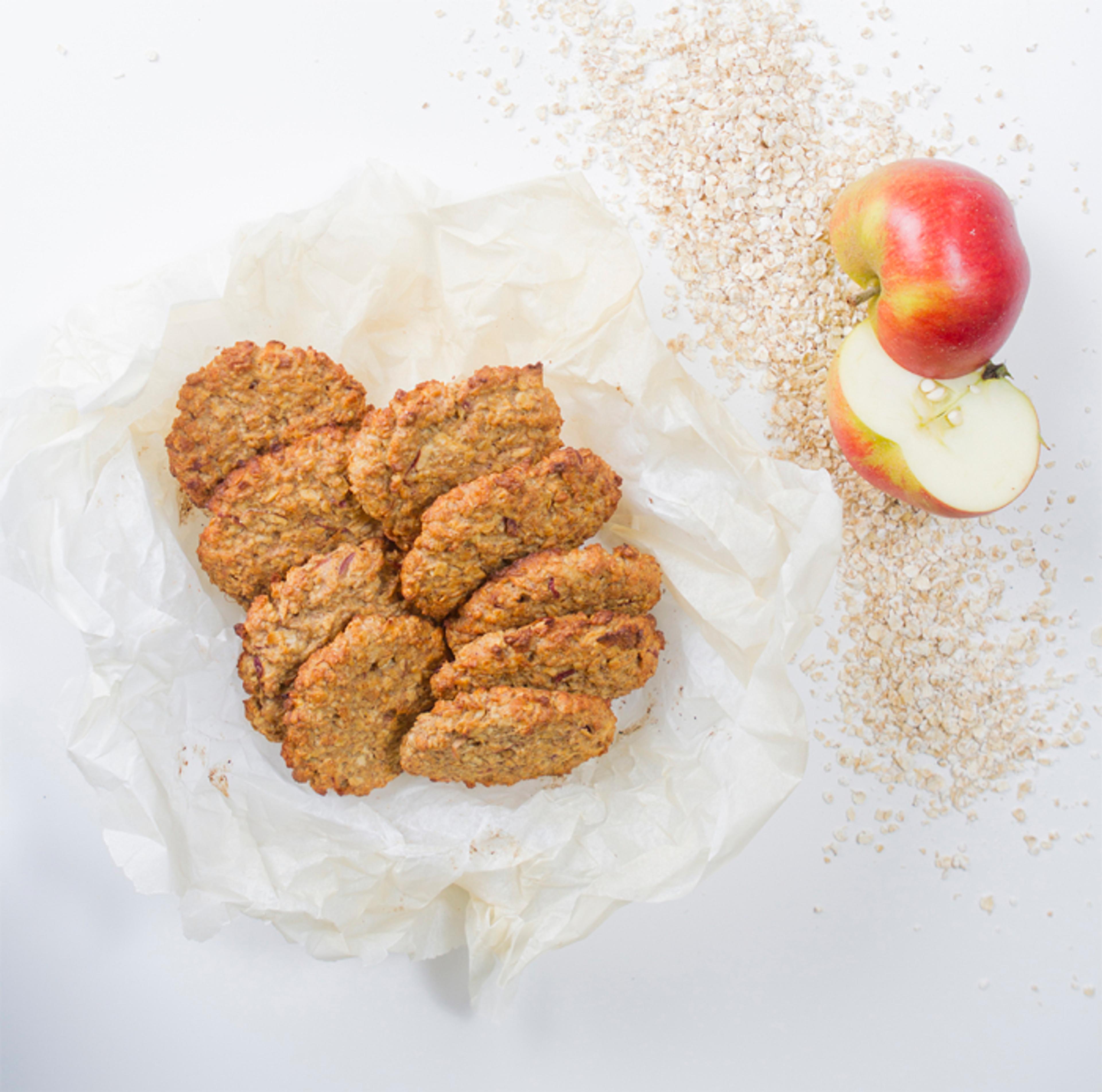 Sunne havrekjeks med kanel og eple