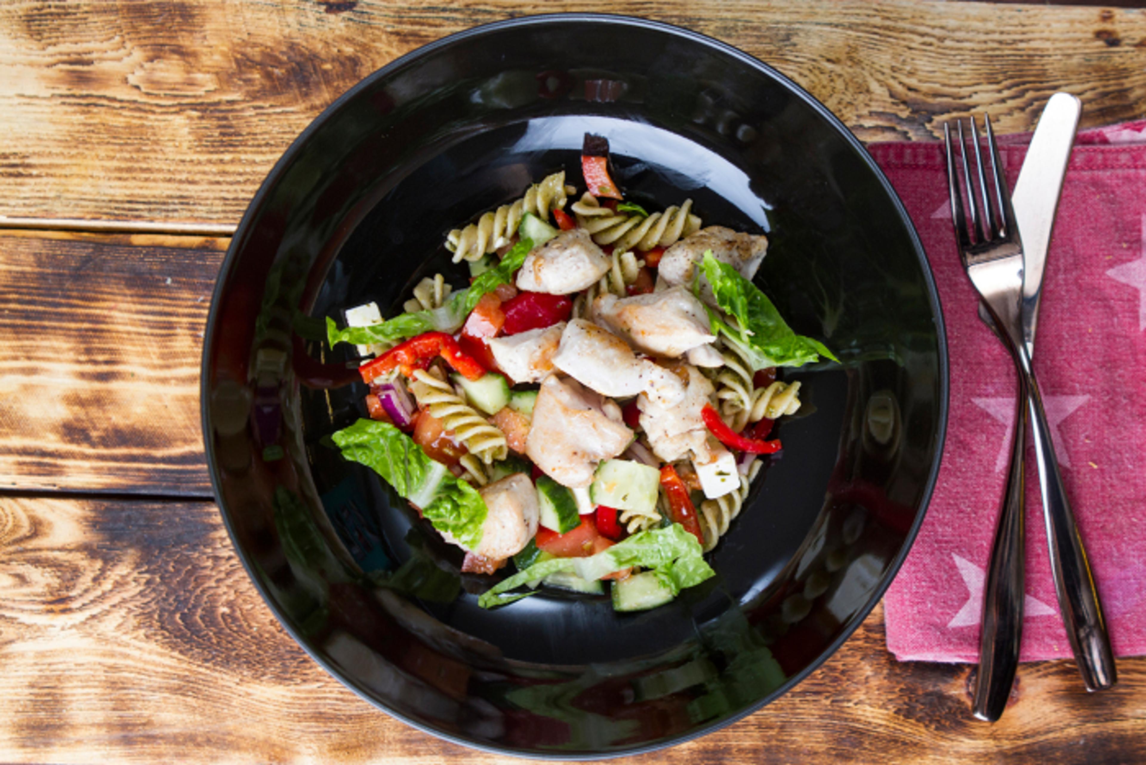 Lun og lett pastasalat – perfekt for varme dager!