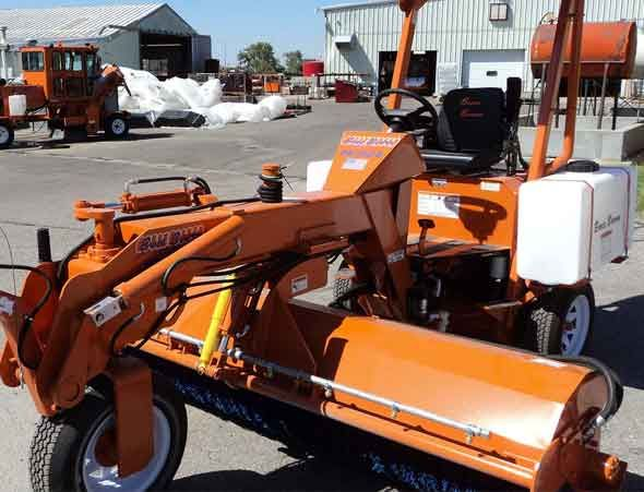 broce-bb250-street-sweeper-for-rent