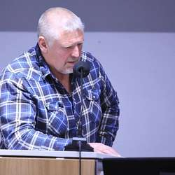 – Det får halda med dommar og prest, meiner Harald Lekven. (Foto: KVB)