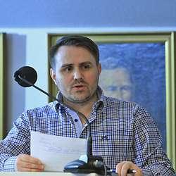 Gisle Hesjedal (Ap) tok opp barnefattigdom i Os. (Foto: KOG)