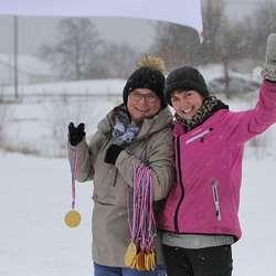 Else Grindheim og May-Britt Kjellevold står klare i målområdet. (Foto: KVB)