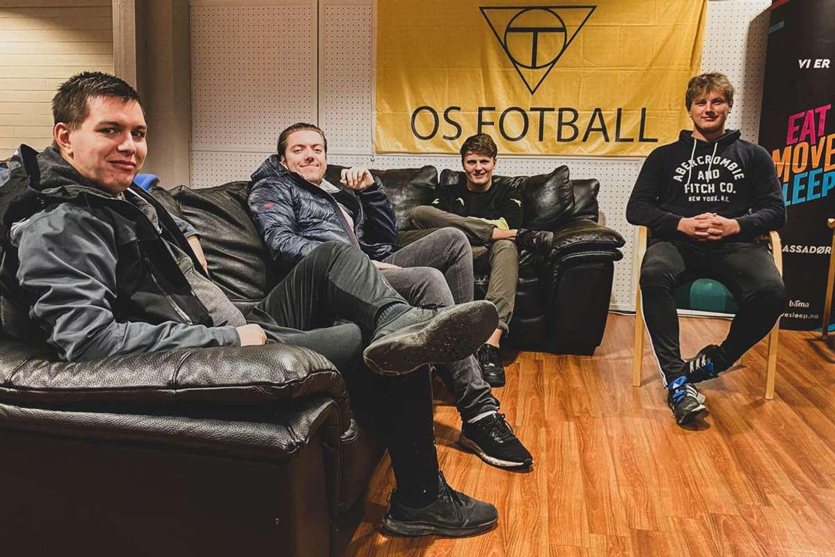 Det nye e-laget til Os Fotball førebur seg i desse dagar til NM-kvalik. Frå venstre: Marius Andersen, Aleksander Grotle, Tommy Wold Gjelsvik og Oliver Linde. (Foto: Ørjan Håland)