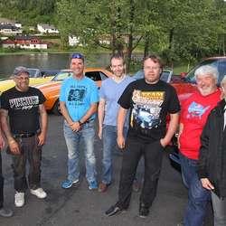 – Alle med amerikansk bil kan delta, ny eller gamal, seier Os Amcar Club. (Foto: KVB)