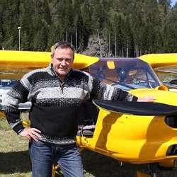 Midtsiden fekk ein tur i mikrofly med Steinar Vinje frå Voss. (Foto: KVB)