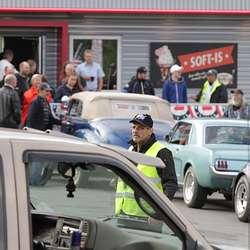 Pappa Dag hadde kontroll på parkeringsplassen. (Foto: Kjetil V. Bruarøy)