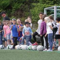 Konkurranse for ungane i pausen. (Foto: KVB)