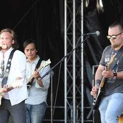 Han hadde med seg Haavard Skaatun på gitar (foto: AH)