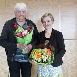Mykje av historia hadde Lyssand fått frå Lars Skorpen, som skriv på bok om Tveit (foto: KML)