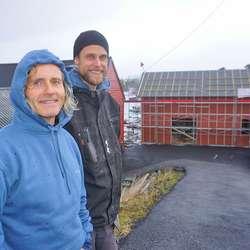 Leif Østrem og Karsten Wangberg leiar arbeidslaget. (Foto: Kjetil Vasby Bruarøy)