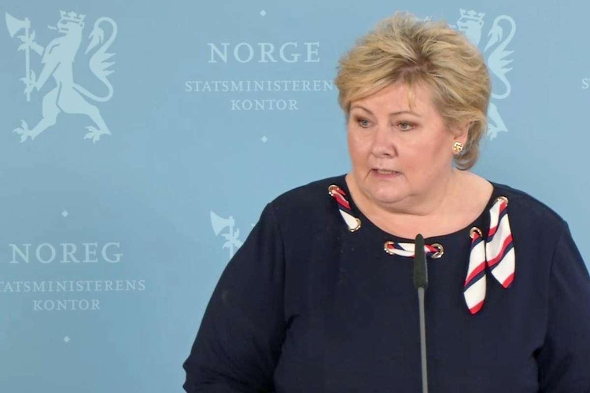 Erna Solberg på dagens pressekonferanse tysdag 13. april. (Foto/skjermdump: Regjeringen)
