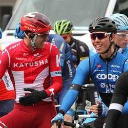 Litt fleip med konkurrentane før start (foto: AH)