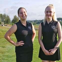 Tora Wiberg og Andrea Rød Tombre la grunnlaget for seieren då dei etter dei første to rundane leda med 6 slag. (Foto: Bjørnefjorden GK)