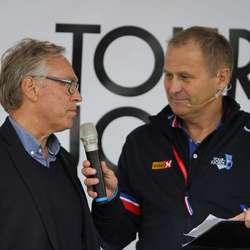 Sykkelpresident Harald Tiedemann Hansen var spent på etappa (foto: AH)