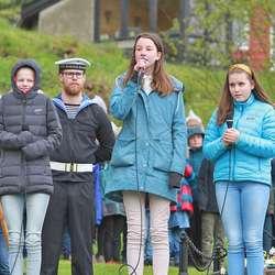 «Til Ungdommen» nydeleg framført av tre elevar ved Bjørnafjorden kulturskule.  (Foto: KOG)