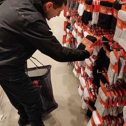 Varmedressar frå Europris blei supplert med varme sokkar kjøpt i Liverpool.