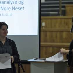 Karianne Eriksen (t.v.) og May Britt Hernes frå Asplan Viak. (Foto: KVB)
