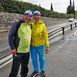 – Vi kan ikkje stoppa, vi er straks i mål. Odd Sande og Mariane Søvik på oppløpssida i dag. (Foto: KOG)