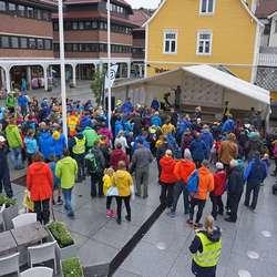 Premieutdeling til 126 deltakarar i barneløpet. (Foto: KVB)