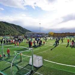 Nore Neset har no to fotballbanar. (Foto: KVB)